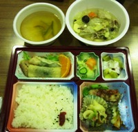 白菜収穫体験ツアーランチ.jpg